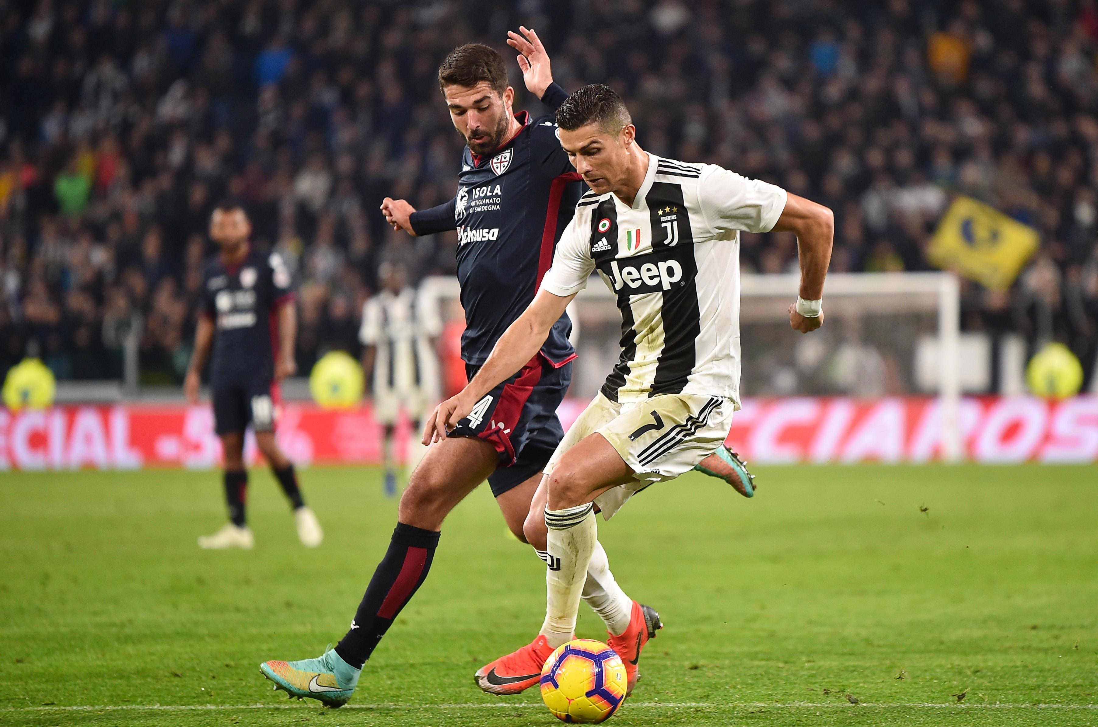 2018.11.03, Turyn, Seria A 2018/2019, Juventus Turyn - Cagliari Calcio N/z: Daniele Dessena, Cristiano Ronaldo, Foto Lukasz Laskowski / Press Focus