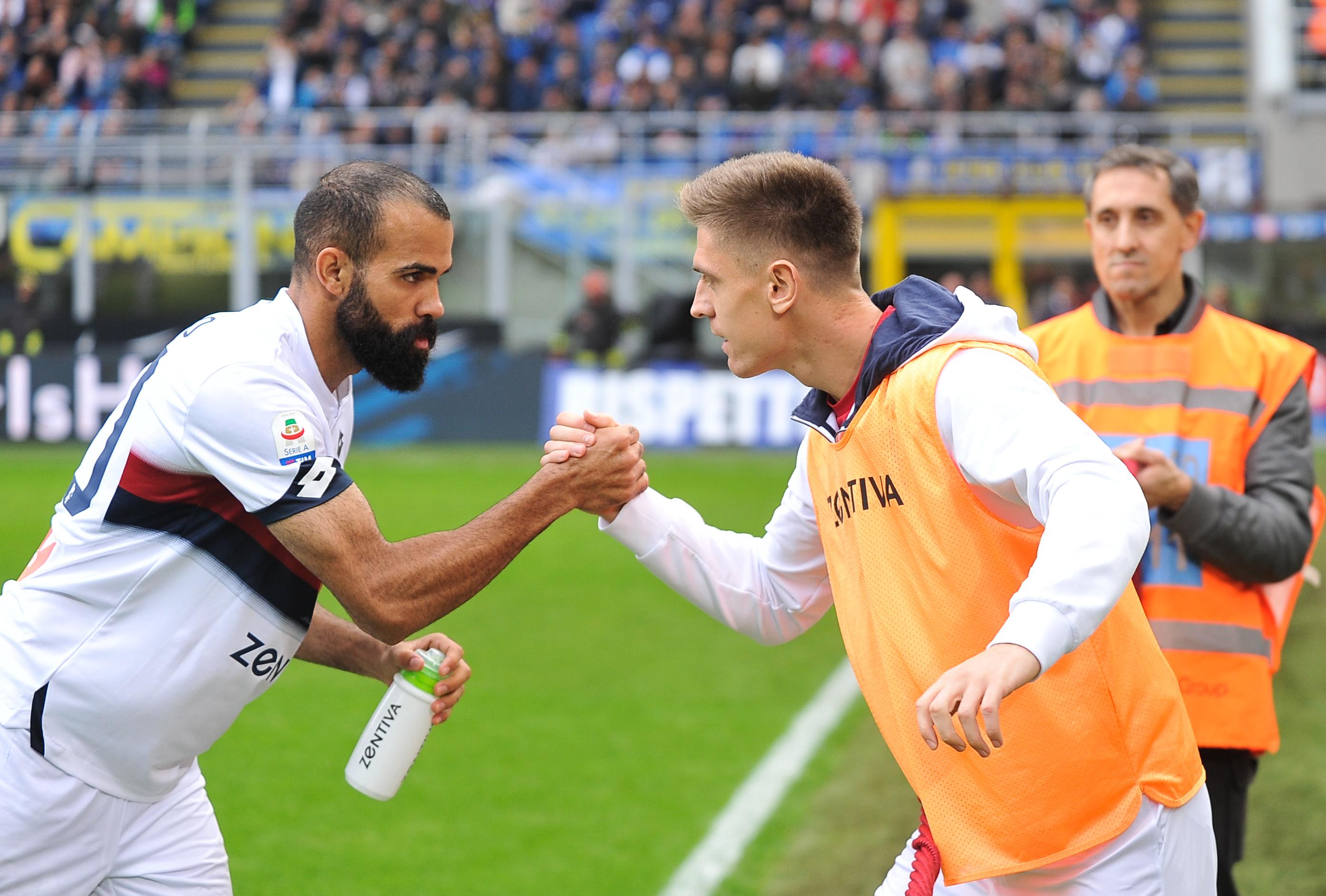 03.11.2018 Mediolan, Pilka nozna, Serie A, liga wloska 2018/2019, Inter Mediolan - Genoa CFC N/z Koray Gunter, Krzysztof Piatek, Foto Norbert Barczyk / PressFocus